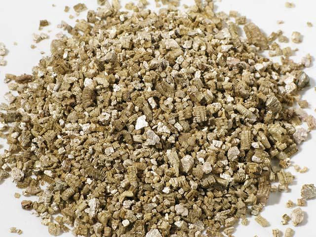 Vermiculite zonolite entre toit murs - Amiante dans la maison ...